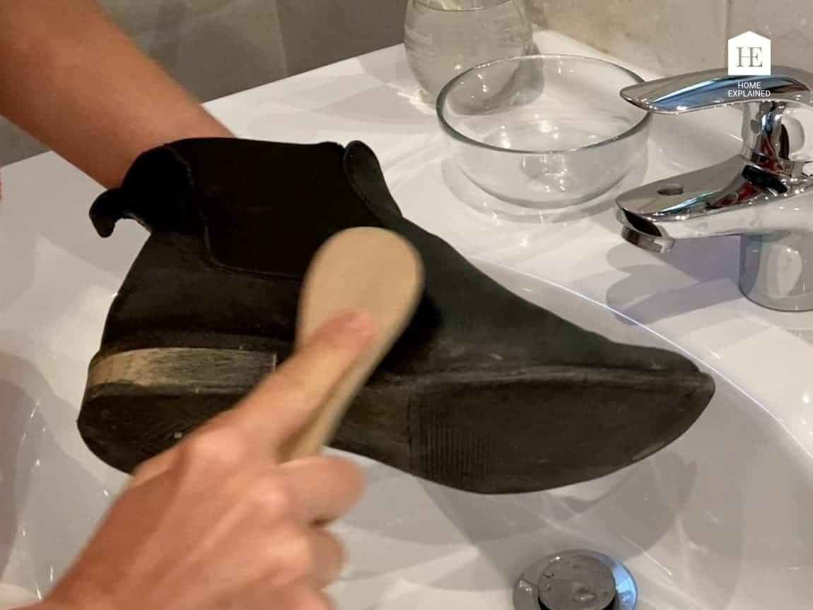 Brushing Nubuck Shoe